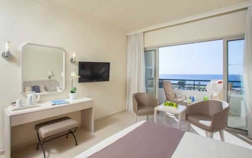 Louis Imperial Beach – Twin Room – Inland View or Sea View